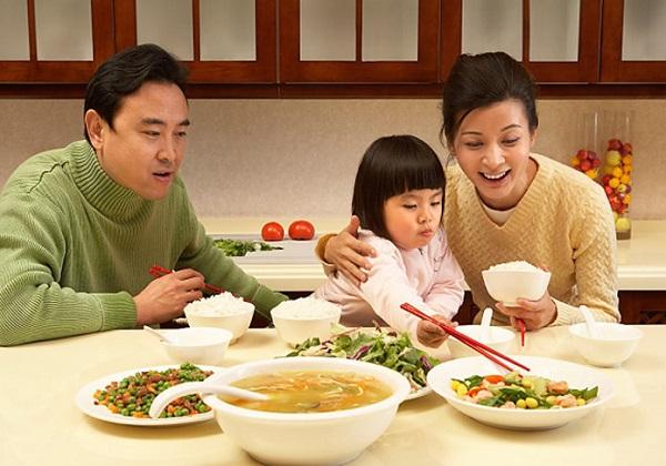 Thực đơn dinh dưỡng cho bé từ 4 - 5 tuổi